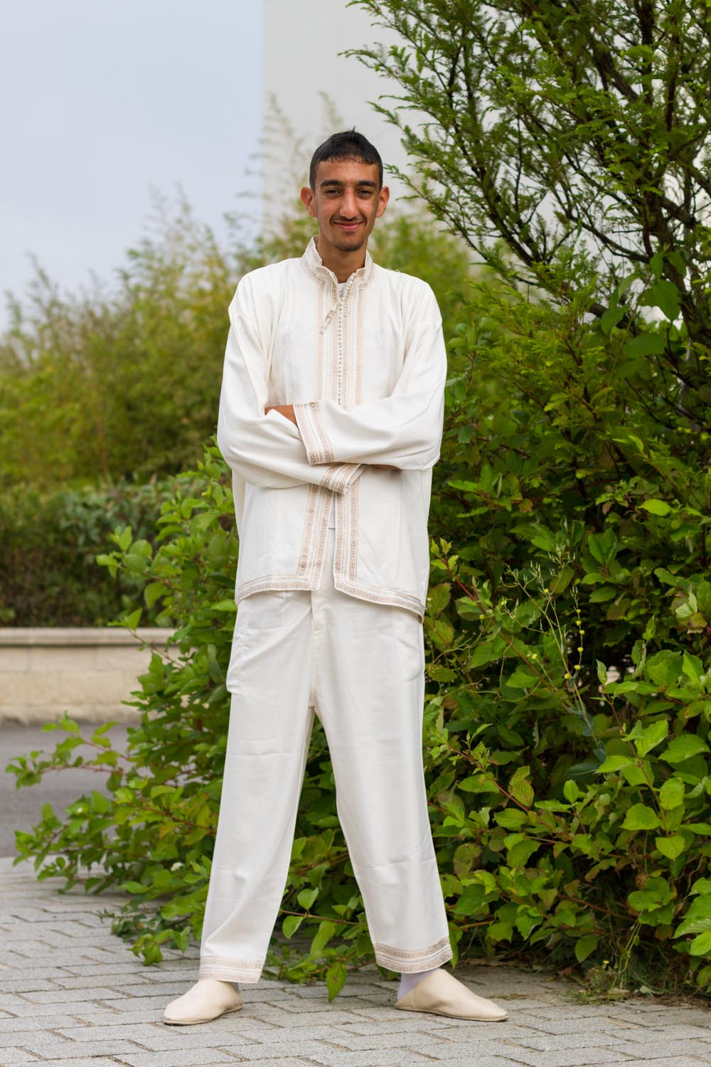 Pour le ramadan, Moujib portait une tenue traditionnelle Marocaine. For the Ramadan, Moujib was wearing a traditional clothe from Marocco.