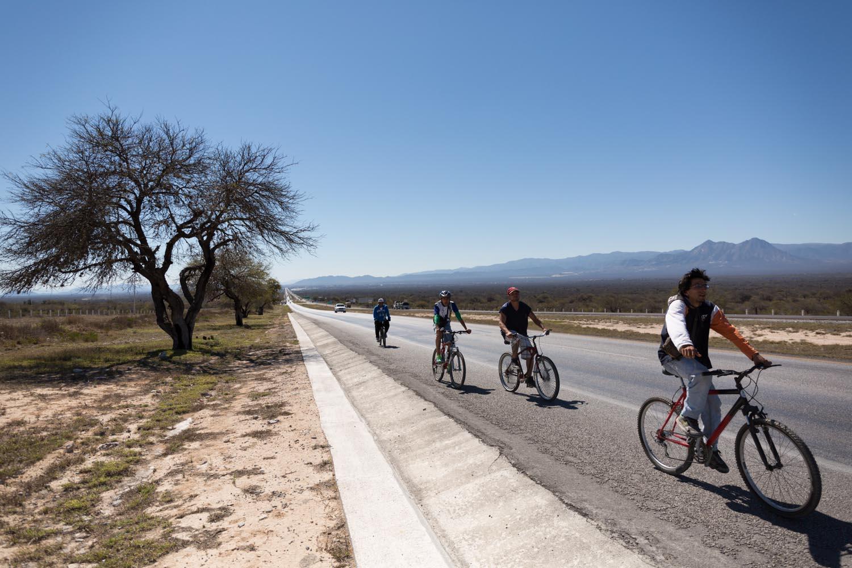 La caravane reprend la route après 4 jours passés à Matehuala.                                        San Luis Potosi, Mexique