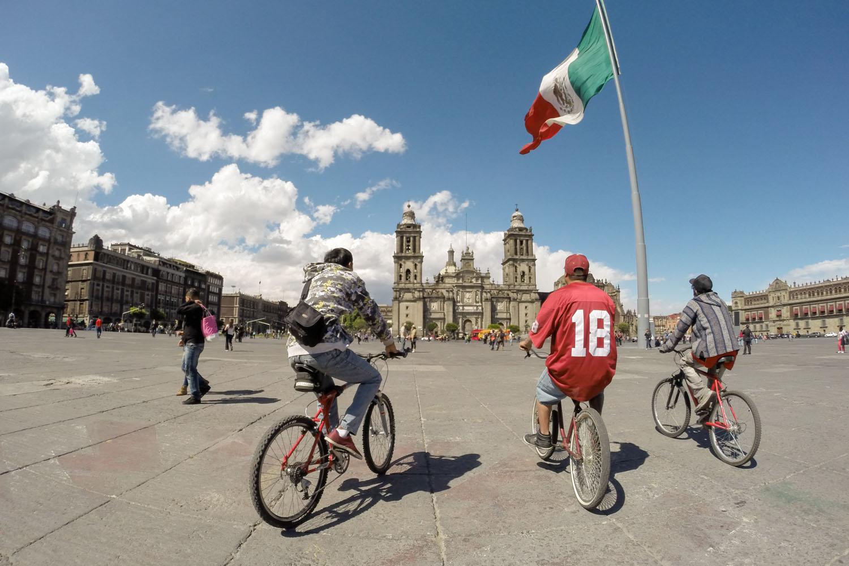 La caravane arrive à l'objectif final : la ville de México!                   Zocalo, Mexico DF, Mexique