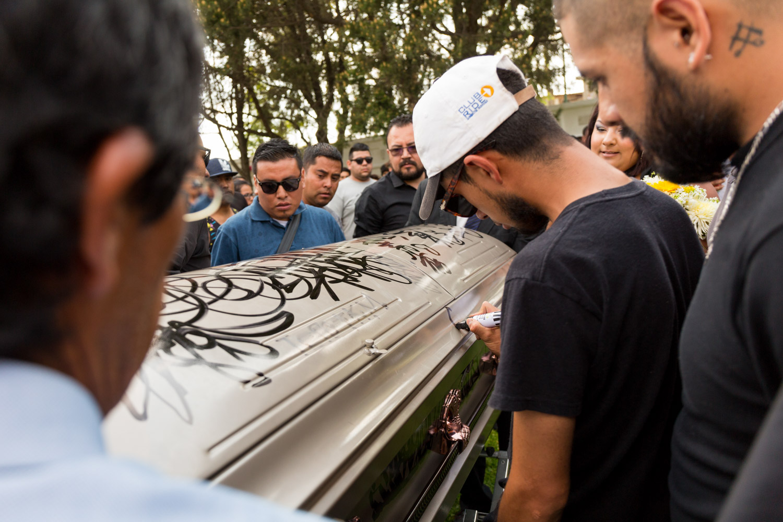 Meeting different gangs of rough areas in San Luis Potosi, 400 km north of City of Mexico (2007-2018).   Rencontre avec des gangs de plusieurs quartiers populaires de San Luis Potosi, à 400 km au nord de la Ville de Mexico (2007-2018).