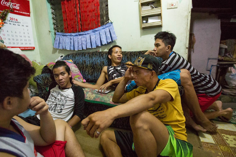 Les Crusadas Pamillias se retrouvent le soir dans la petite maison de Josh, qui m'héberge également.
