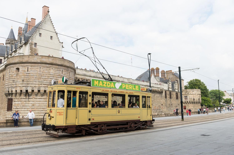 Un ancien tramway déambule en centre-ville pour les journées du patrimoine