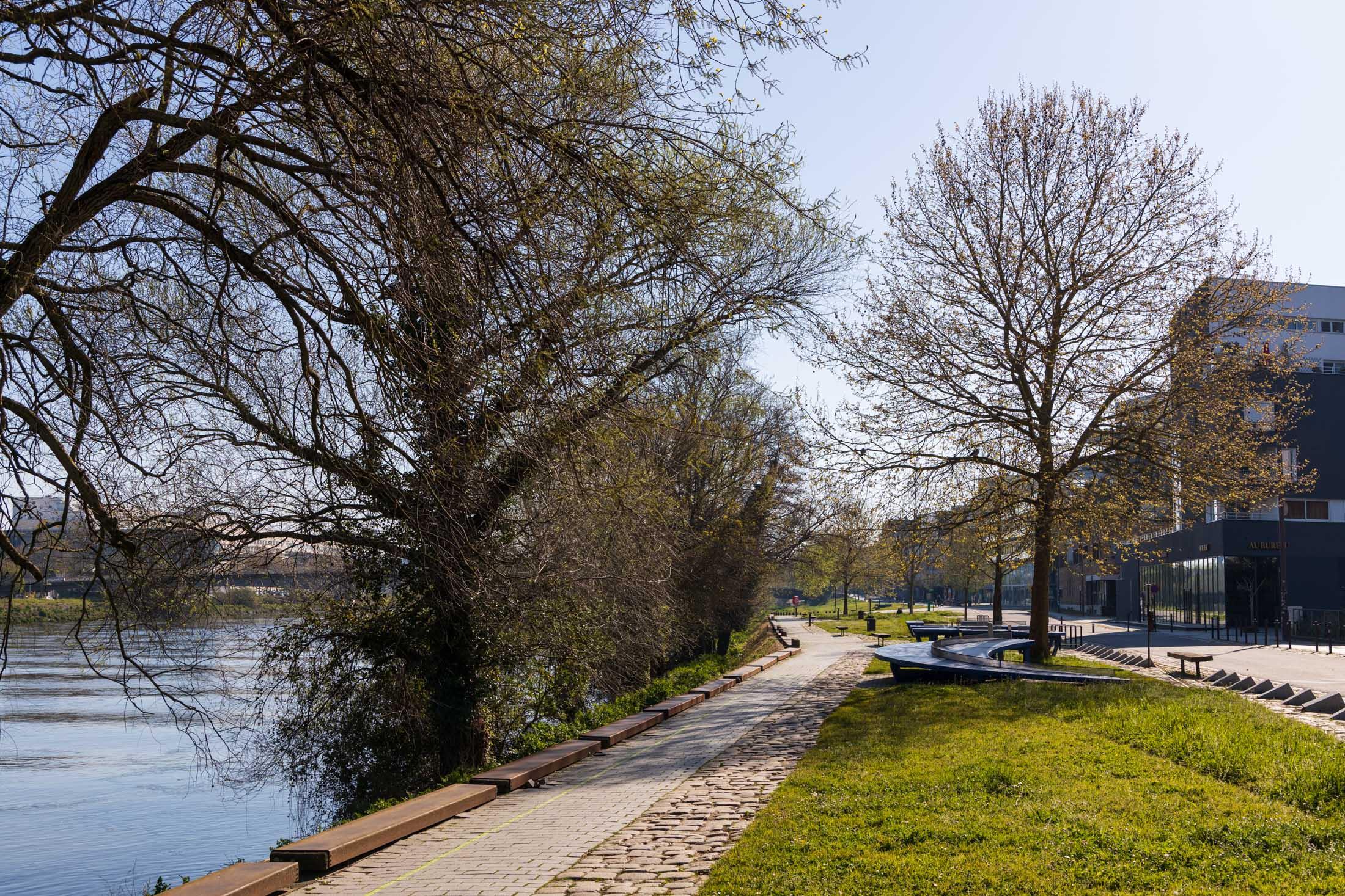 Streets of Nantes are empty, such as here quai Francois Mitterand. Nantes, France - March 25th 2020.Les rues de Nantes sont vides, comme ici au Quai Francois Mitterand. Nantes, France - 25 mars 2020.