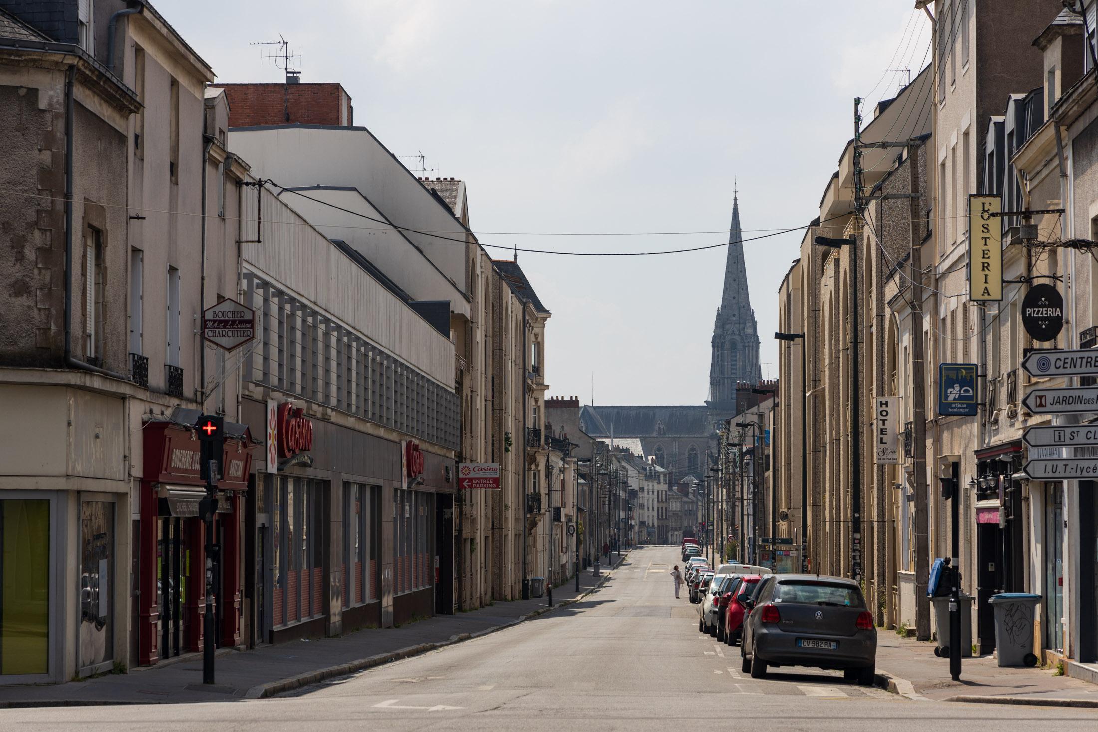 General Buat street is empty. Nantes, France - April 26th 2020.La rue du General Buat vide. Nantes, France - 26 avril 2020.