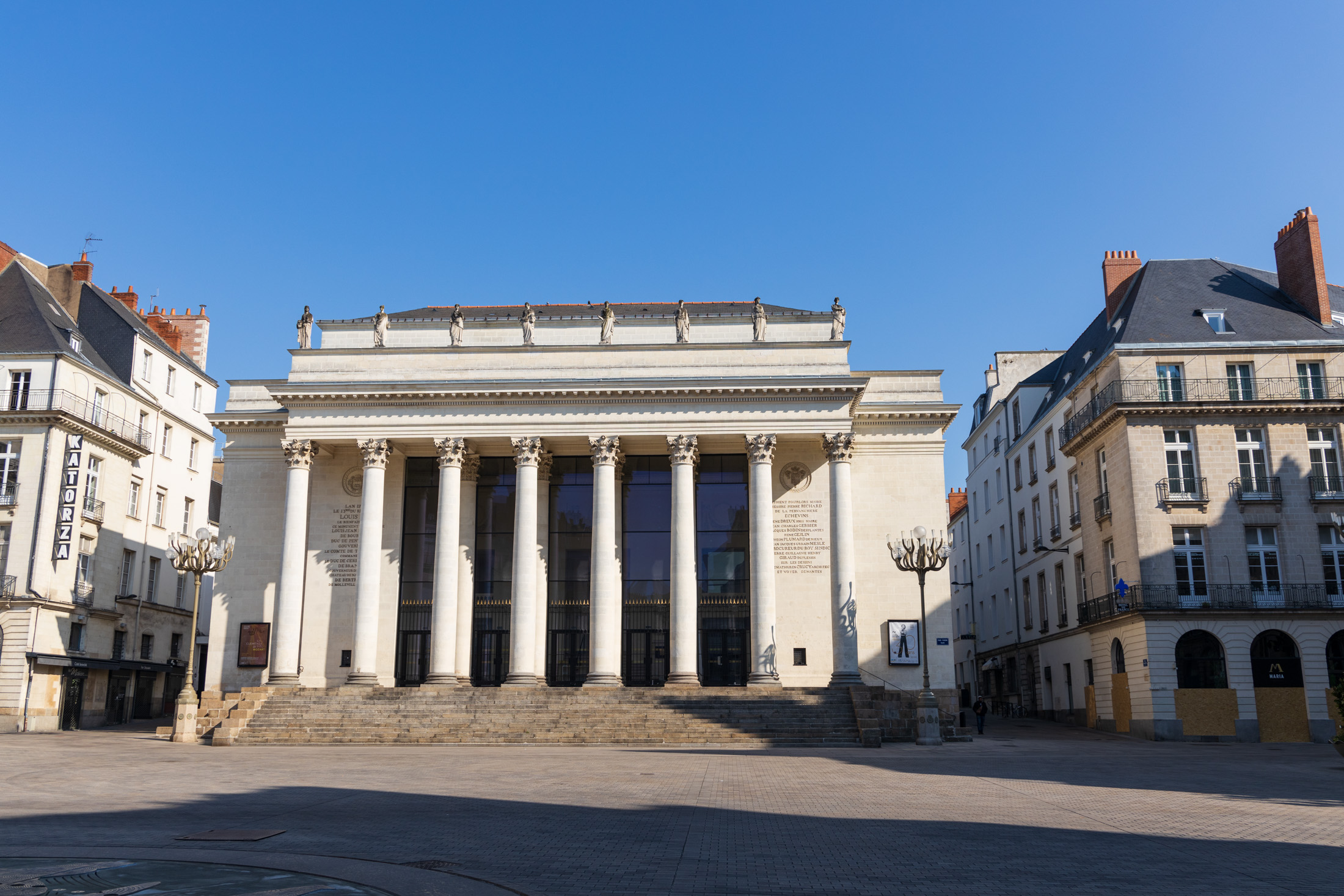 Place Graslin in Nantes is empty. Nantes, France - April 2nd 2020.Une place Graslin vide. Nantes, France - 2 avril 2020.
