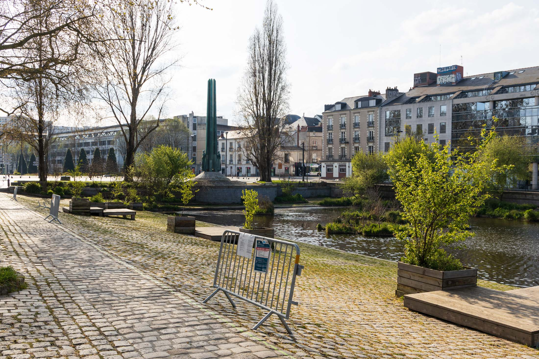 Docks of Erdre river are prohibited. Nantes, France - March 23th 2020.Les quais de l'Erdre sont interdits. Nantes, France - 23 mars 2020.